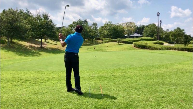 GEN-TENゴルフコースレッスンオープンスタンスフィニッシュの写真