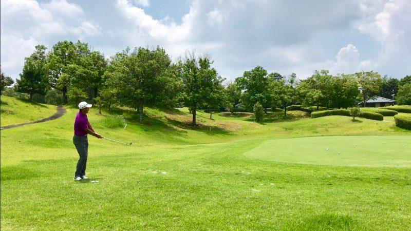 GEN-TENゴルフコースレッスンアプローチ距離感フィニッシュの写真