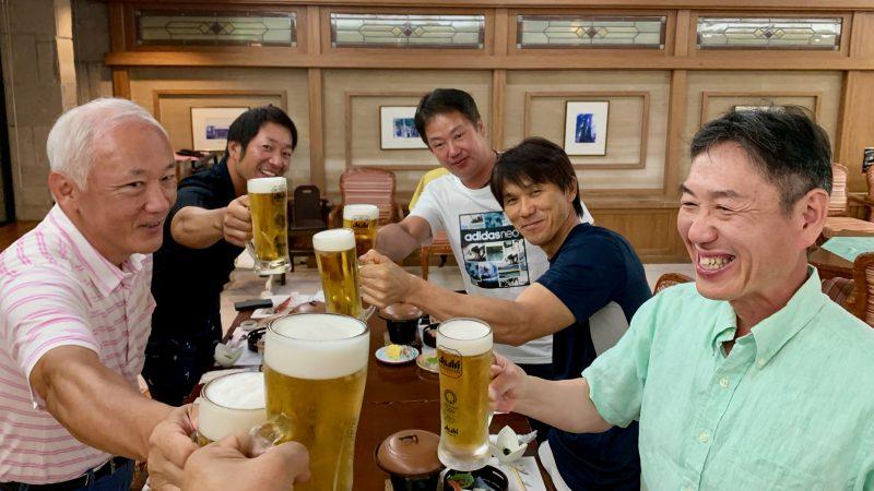 GEN-TENゴルフコースレッスンDCベルグラビア夕食乾杯の写真