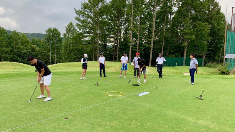 GEN-TENゴルフコースレッスン強化合宿サニーCCパッティング練習の写真