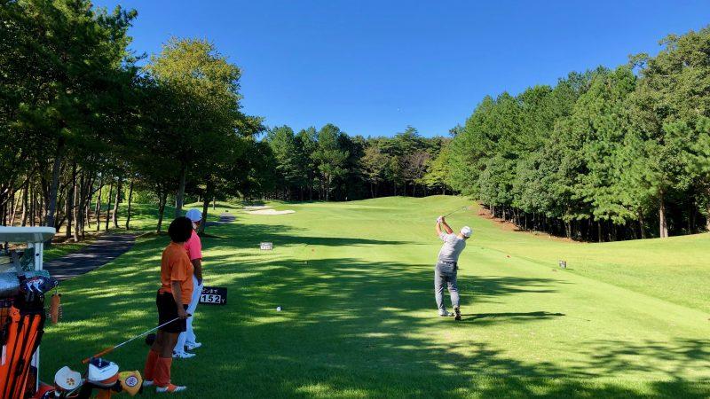 GEN-TENゴルフコースレッスンDC静ヒルズCCハーフラウンドPar3ティショットの写真