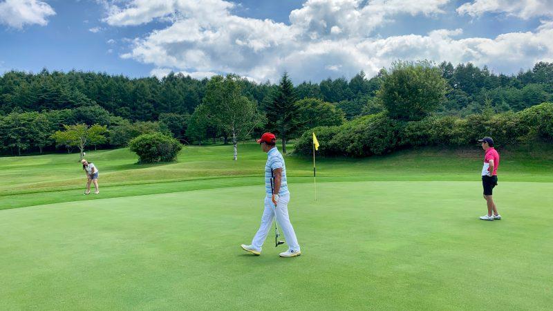 GEN-TENゴルフコースレッスン強化合宿サニーCC2日目パッティングの写真