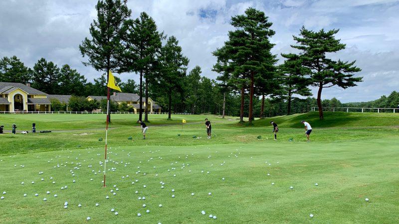GEN-TENゴルフコースレッスン強化合宿サニーCCアプローチ練習正面からの写真