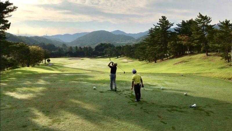 GEN-TENゴルフコースレッスン10番ティショットの写真