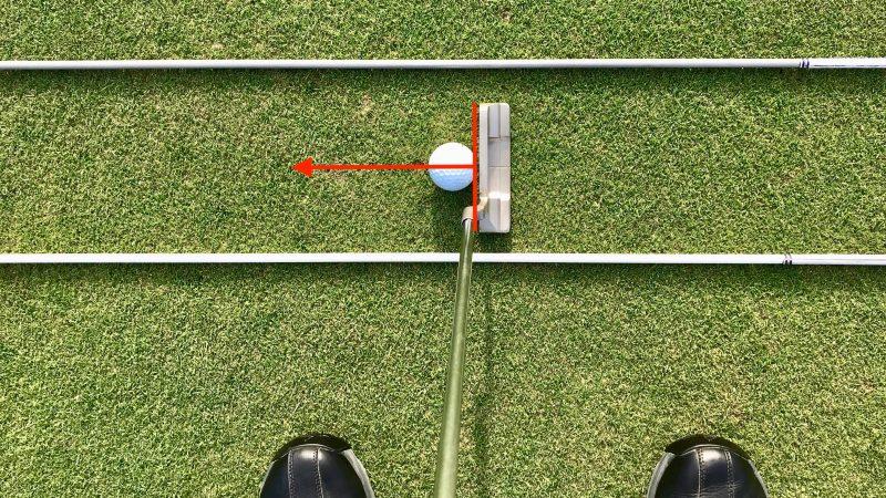 GEN-TENゴルフコースレッスンパッティングの方向性フェースの向きスクエアの写真