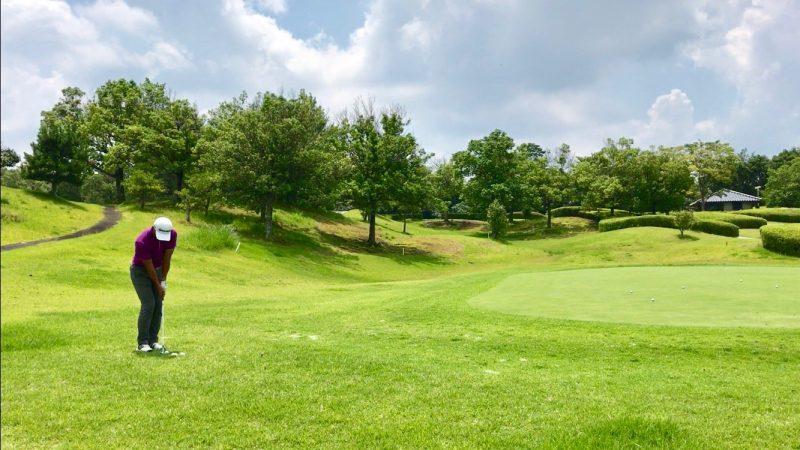 GEN-TENゴルフコースレッスンアプローチ距離感アドレスの写真