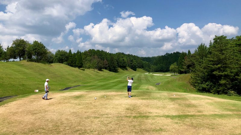 GEN-TENゴルフコースレッスンDCベルグラビアティショットの写真