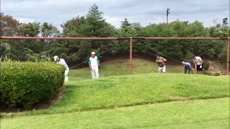 GEN-TENゴルフコースレッスンハーフラウンド六甲CCアプローチレッスン左足上がりの写真