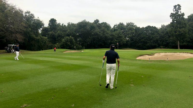 GEN-TENゴルフコースレッスンドライバーレッスングリーン周りの写真