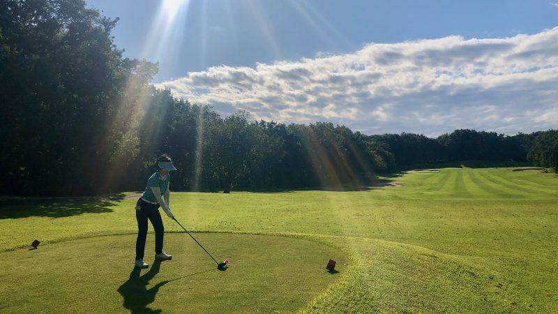 GEN-TENゴルフコースレッスンヒントレッスンティショットの写真