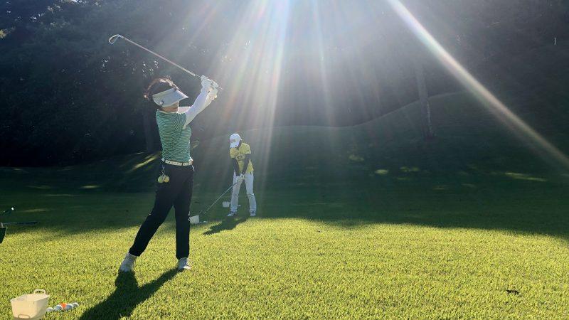 GEN-TENゴルフコースレッスンヒントレッスン定点練習ラフからのショットの写真