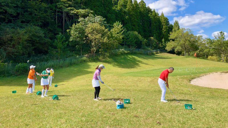 GEN-TENゴルフコースレッスンチャーター大多喜城GCアプローチエリアの写真