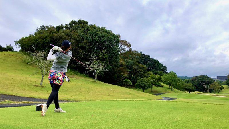 GEN-TENゴルフコースレッスンチャーター大多喜城GCティショットの写真
