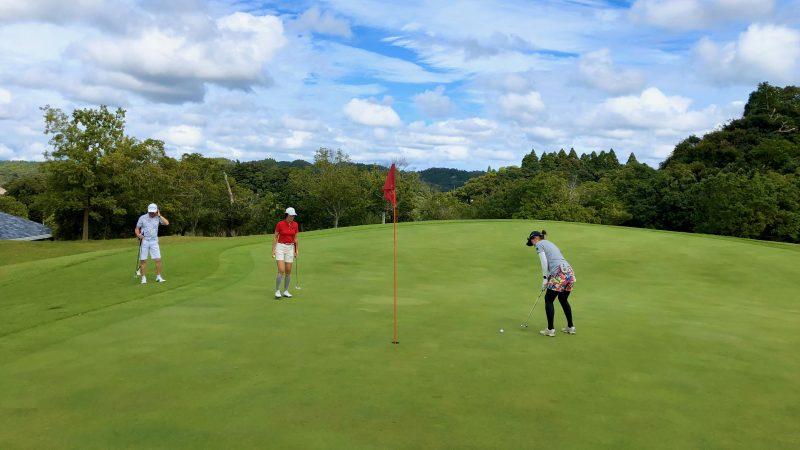 GEN-TENゴルフコースレッスンチャーター大多喜城GCパッティングの写真
