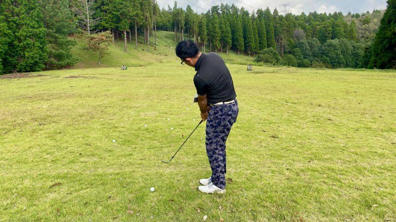 GEN-TENゴルフコースレッスンアプローチ素振りの写真