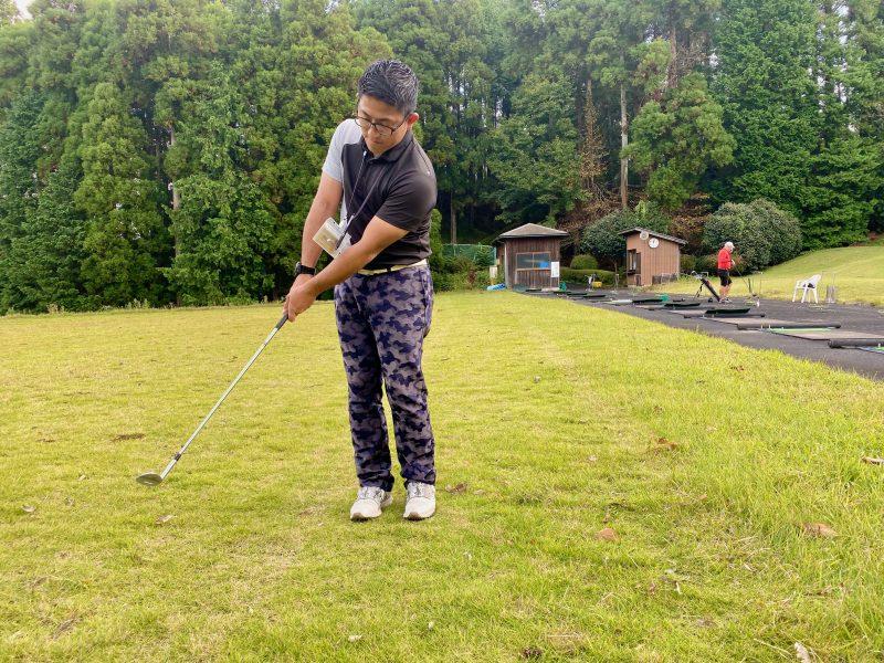 GEN-TENゴルフコースレッスンアプローチノーマルフォローの写真