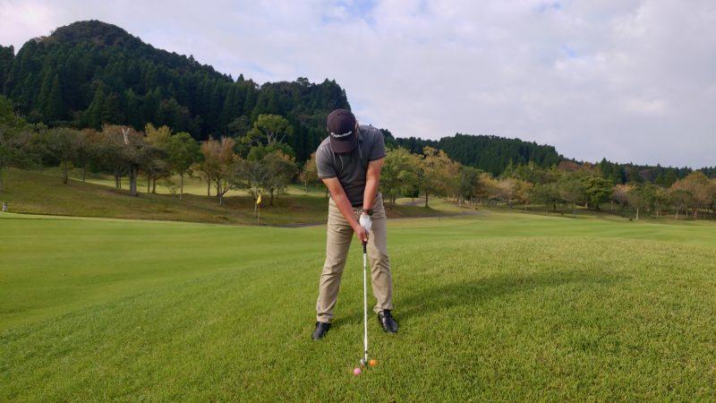 GEN-TENゴルフコースレッスン傾斜の写真