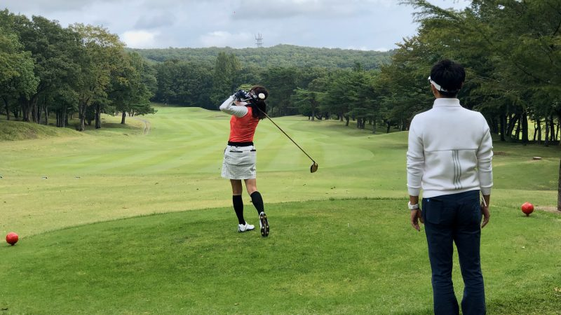 GEN-TENゴルフコースレッスン那須国際CCラウンドティーショットの写真