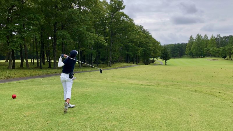 GEN-TENゴルフコースレッスン那須国際CCラウンドレディスティティーショットの写真