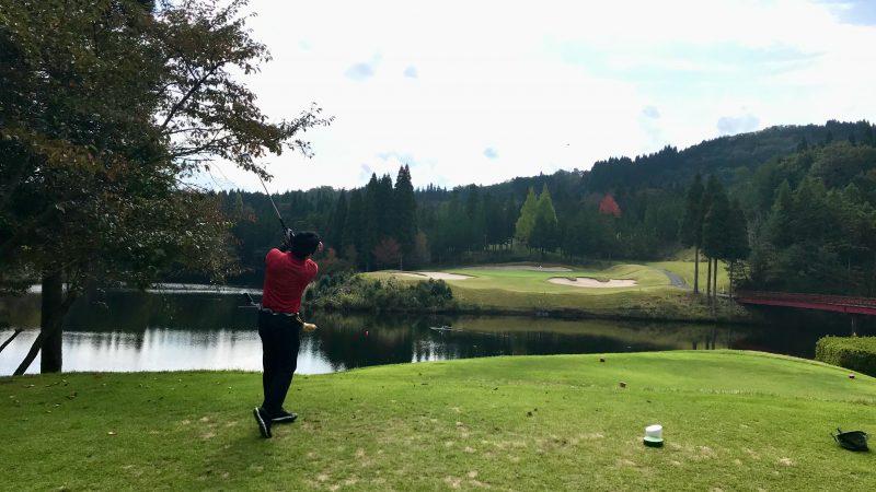 GEN-TENゴルフコースレッスンDC@JOYXGC11番ホールティショットの写真