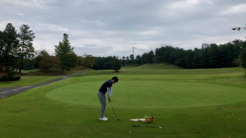 GEN-TENゴルフコースレッスンハーフラウンドレイクグリーンGCアプローチエリアの写真