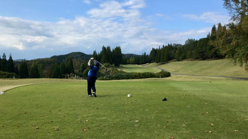 GEN-TENゴルフコースレッスンDC@JOYXGC2番ホールティショットの写真
