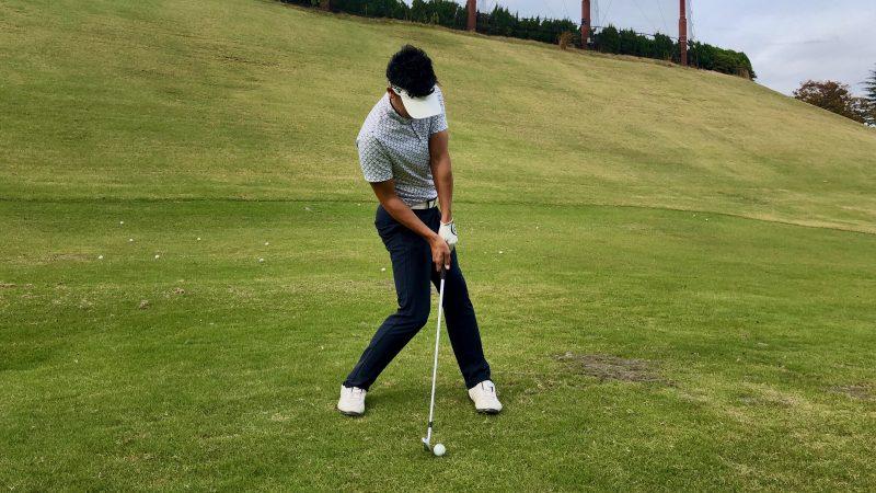 GEN-TENゴルフコースレッスン腰が引けたインパクトの写真