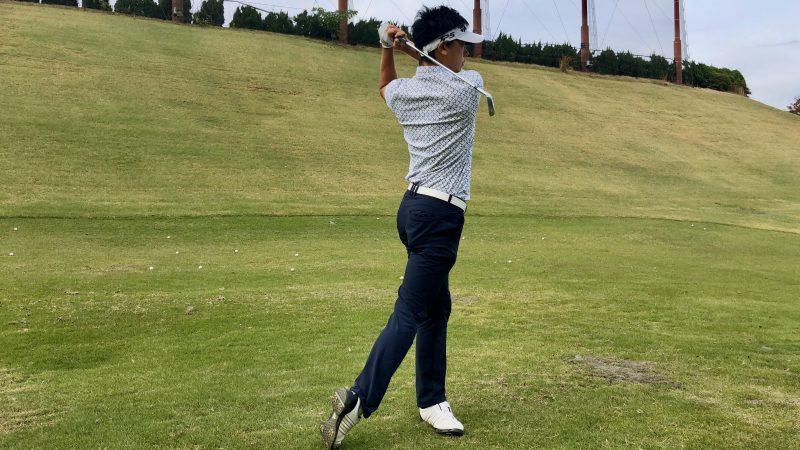 GEN-TENゴルフコースレッスン腰の回し方フィニッシュの写真