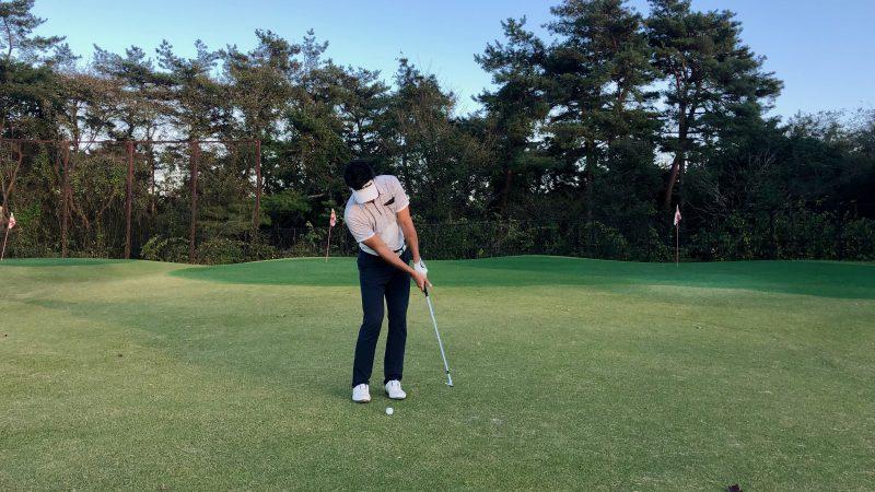 GEN-TENゴルフコースレッスン腰の回転フォローの写真