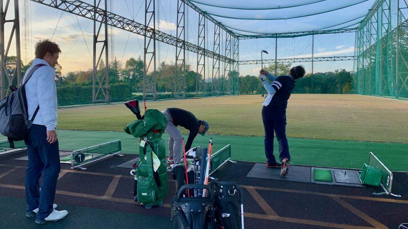 GEN-TENゴルフコースレッスンDCサンコー72CC練習場復習後方からの写真