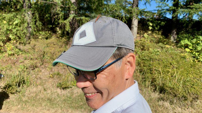 GEN-TENゴルフコースレッスンDCサンコー72CCラウンド帽子にトンボの写真