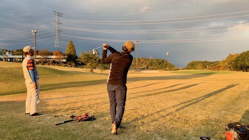 GEN-TENゴルフコースレッスンDCサンコー72CCショートコースラウンド後方からの写真