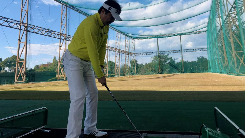 GEN-TENゴルフコースレッスンDCサンコー72CC練習場ロングゲームレッスン後方からの写真