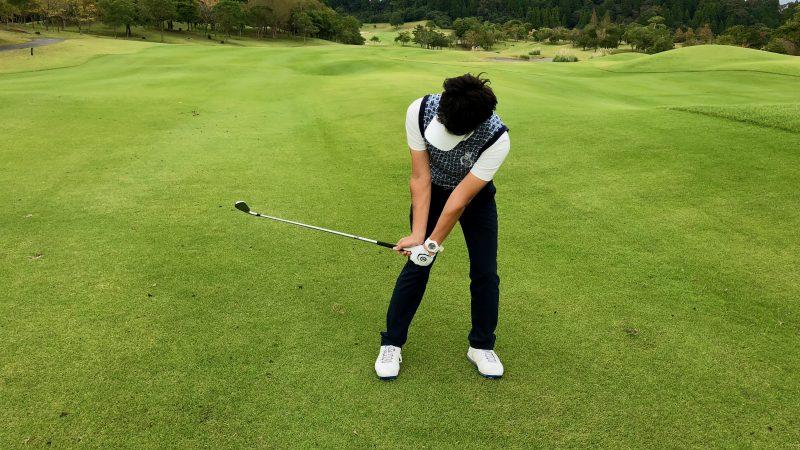 GEN-TENゴルフコースレッスンハンドアクション 掌屈の写真