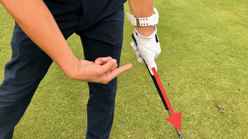 GEN-TENゴルフコースレッスンハンドアクション サムダウンの写真
