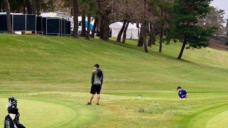 GEN-TENゴルフコースレッスンZOZOチャンピオンシップパトリックリードバンカーショットの写真