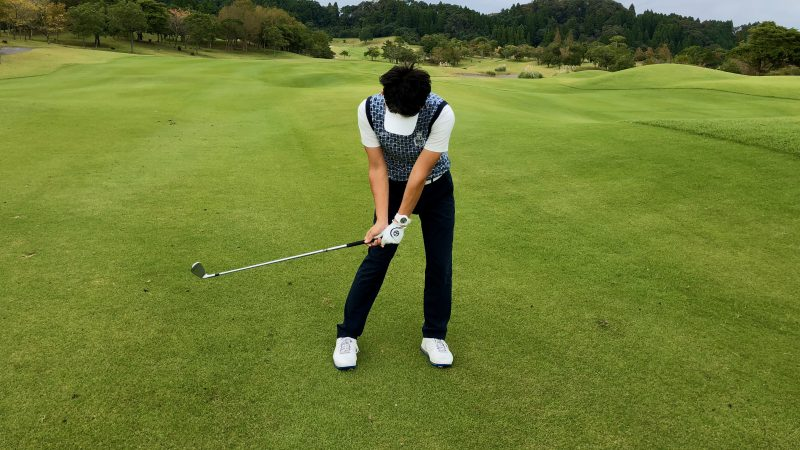 GEN-TENゴルフコースレッスンハンドアクション ハーフウェイダウンの写真