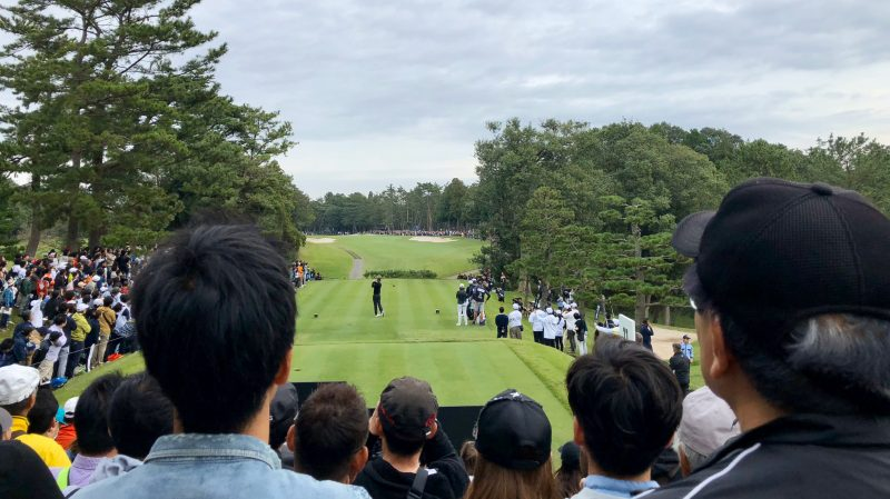 GEN-TENゴルフコースレッスンZOZOチャンピオンシップタイガーティショットの写真