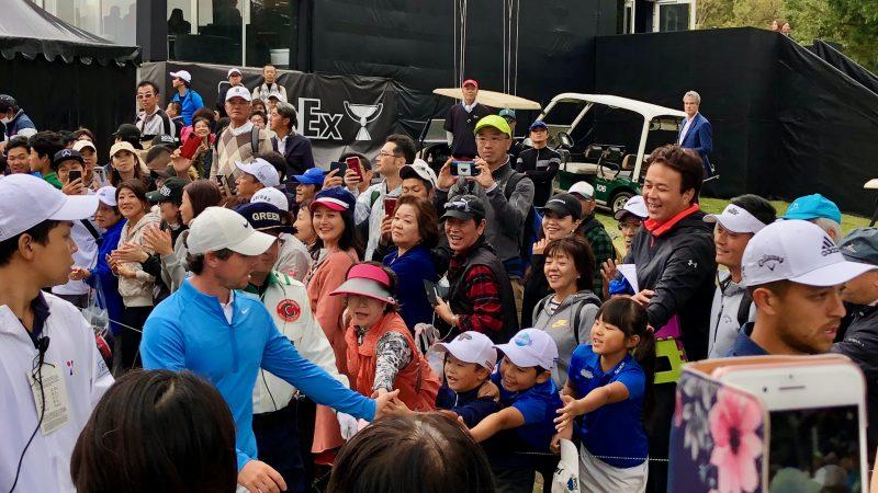 GEN-TENゴルフコースレッスンZOZOチャンピオンシップマキロイ握手の写真