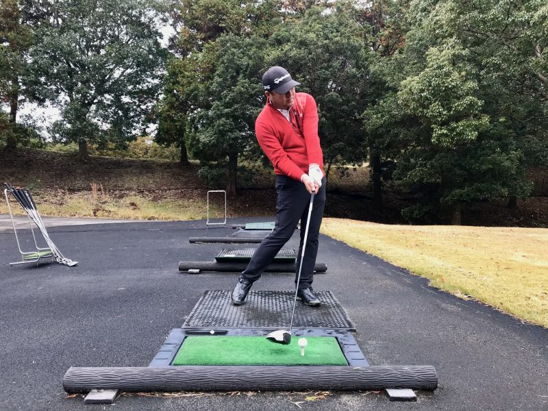 GEN-TENゴルフコースレッスンプッシュスライスインサイドアウトインパクトの写真