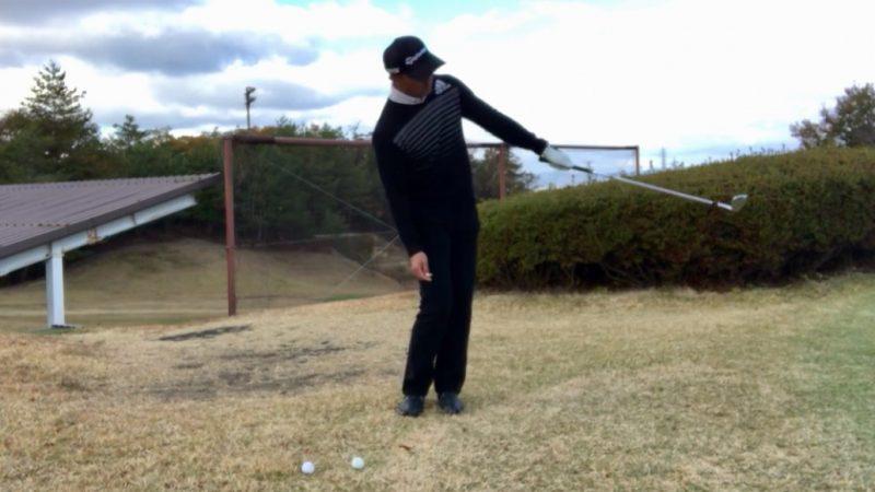 GEN-TENゴルフコースレッスン左片腕フィニッシュの写真