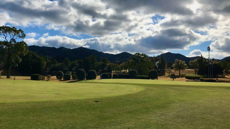 GEN-TENゴルフコースレッスン六甲CC練習グリーンの写真