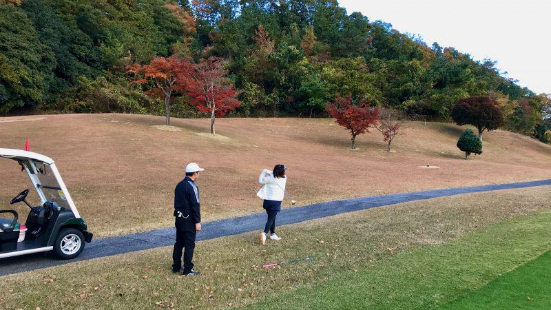 GEN-TENゴルフコースレッスン六甲CCコースレッスン12番セカンドショットの写真