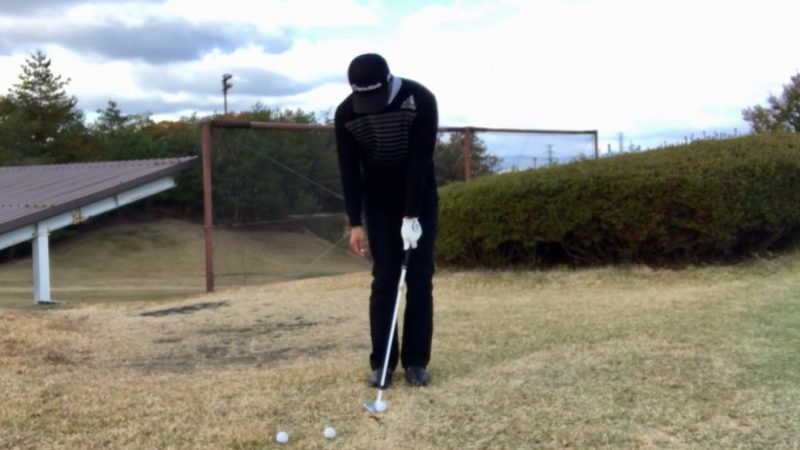 GEN-TENゴルフコースレッスン左片腕アドレスの写真