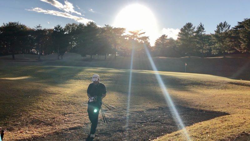 GEN-TENゴルフコースレッスン前傾姿勢コースレッスンラウンドホールアウトの写真
