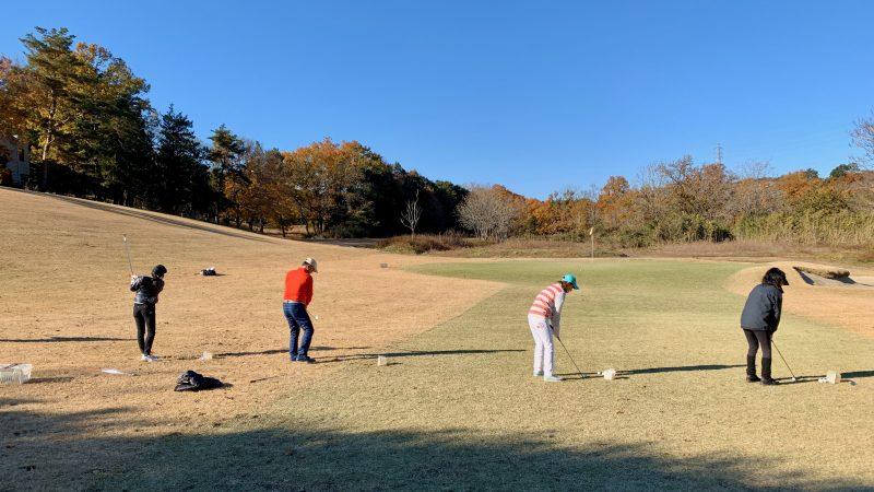 GEN-TENゴルフコースレッスン高坂CCアプローチ練習場30yアプローチの写真