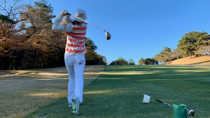 GEN-TENゴルフコースレッスン高坂CC定点練習FWショットの写真