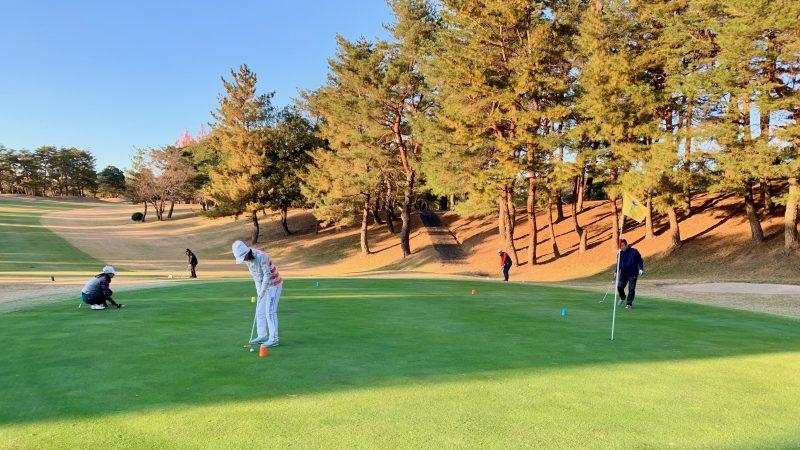 GEN-TENゴルフコースレッスン高坂CC定点練習寄せワン練習の写真②