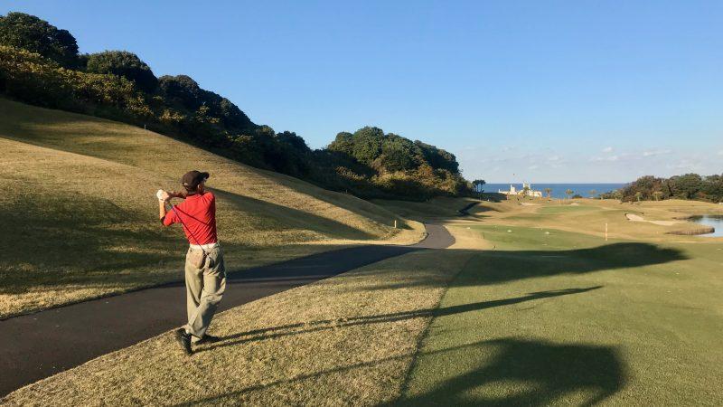 GEN-TENゴルフコースレッスン宮崎強化合宿青島GCハーフラウンドセカンドショットの写真