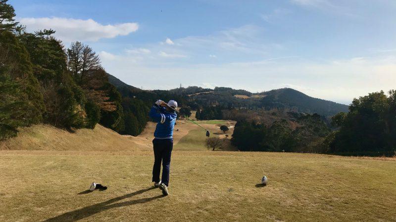 GEN-TENゴルフコースレッスン稲取GCドライバーショットの写真